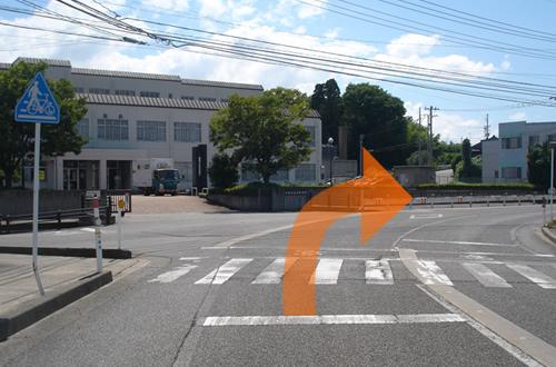 小松市立高校(小松商業高校)からお越しの場合