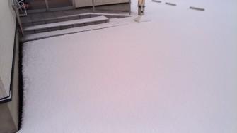 おれんじ鍼灸接骨院:雪・玄関